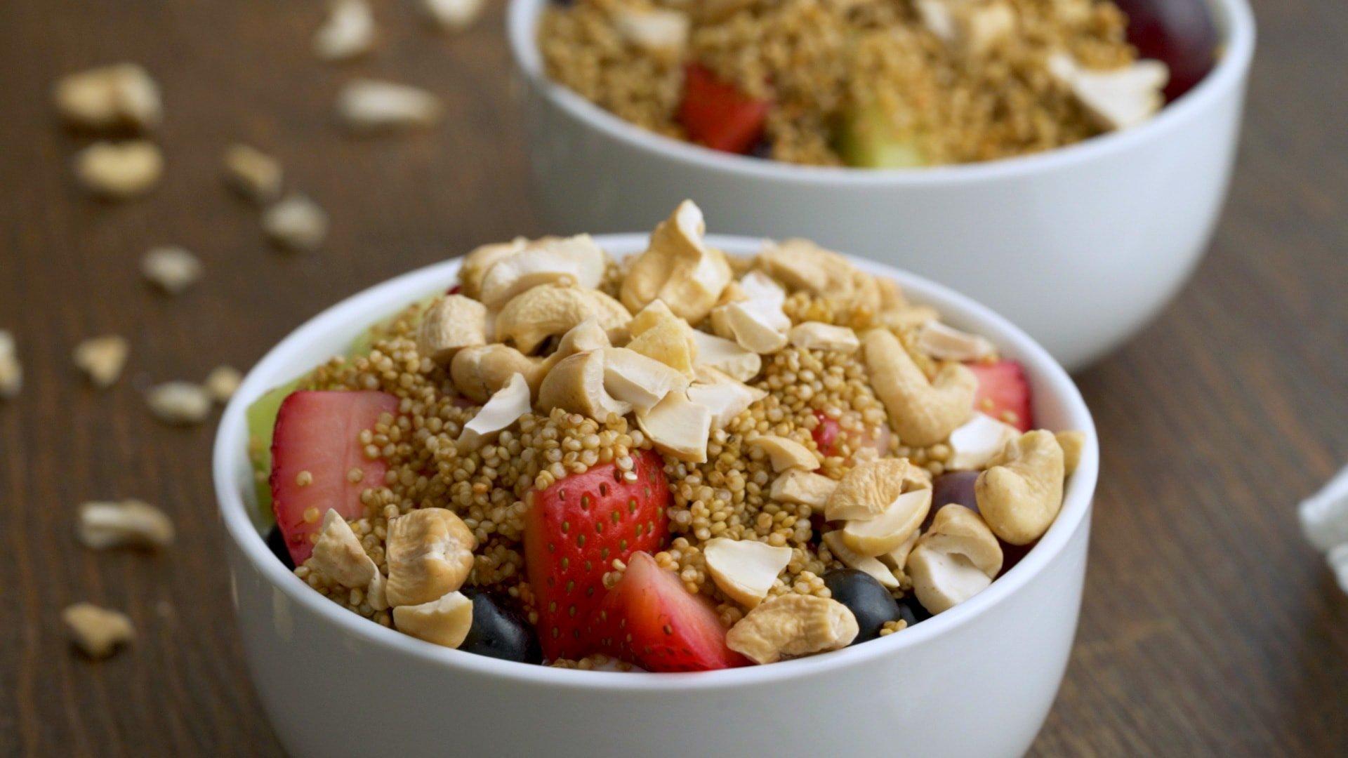 Crispy Quinoa Breakfast Bowl